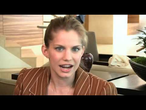 SIFF '09: Anna Chlumsky - In the Loop Video