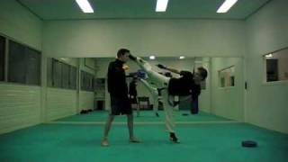 001-kyokushin / kickboxing low kick combination
