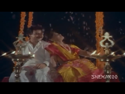 Silk Smitha Hot Romantic Song - Aaja Re Aaja Re - Billu Badshah video