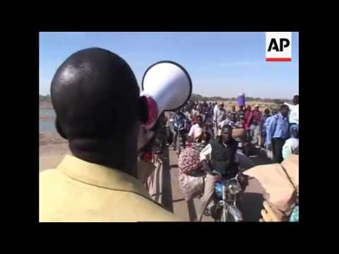 Refugees returning to Chad from Cameroon