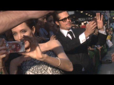 Angelina Jolie et Brad Pitt tapent les selfies pour INVINCIBLE