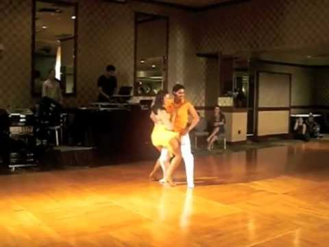 AWESOME BACHATA Performance - Moderna Style at Reno Bachata Festival