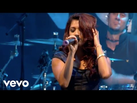 The Saturdays - Issues (Live At V Festival, 2009)