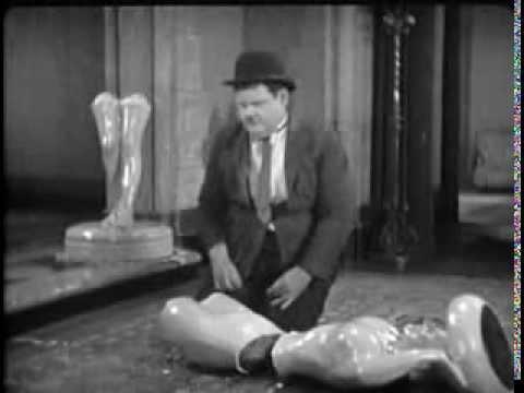 Slapstick clips – Wrong Again (1929) – 1