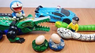 Đồ chơi Doremon - Nobita bắt con rắn ăn cắp quả trứng của cá sấu