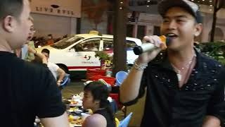 HotBoy Nhạc Chế Ku Vàng và Bi Đá Bào hát bán vé số