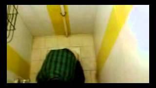 بابک زنجانی در توالت دانشگاه اسلامشهر