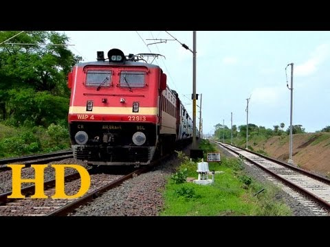 GKP LTT Mumbai 11016 Kushinagar Express hauled by  BSL WAP4 22913 sprints towards Bhopal