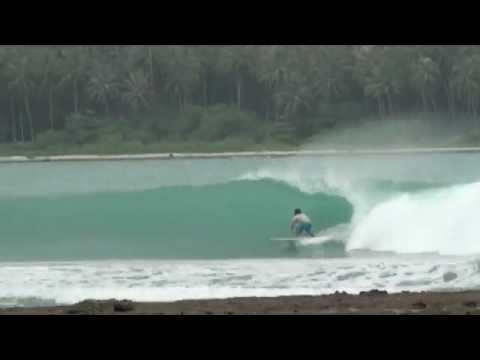 Lagundri Bay Nias July 2011, surf session. Discover the Double H Surf Camp in Sorake Beach the best place to stay in Nias : http://www.surfcamp-nias.com