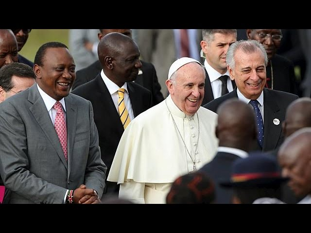 Le pape entame au Kenya sa première tournée africaine à haut risque