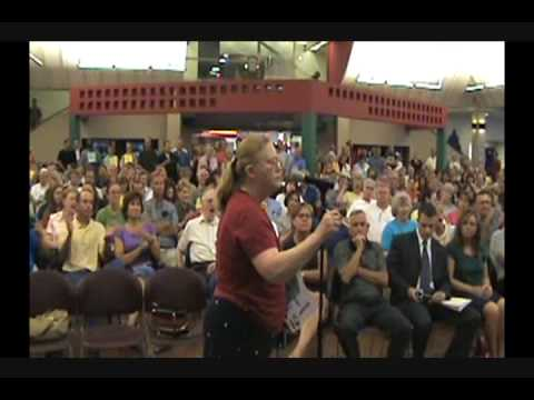 McCaskill Town Hall Meeting in St Louis 4- Solider's Story