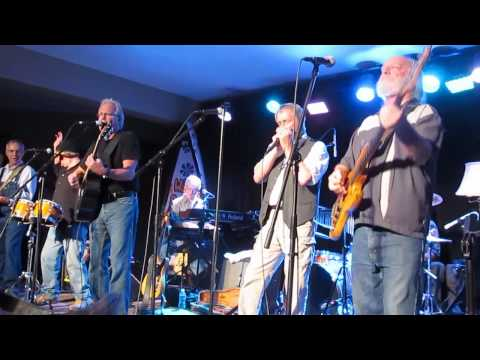 WALKING DOWN THE ROAD, The Ozark Mountain Daredevils