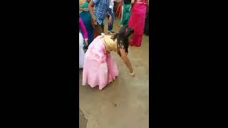 small girl beautiful dance on Bengali song