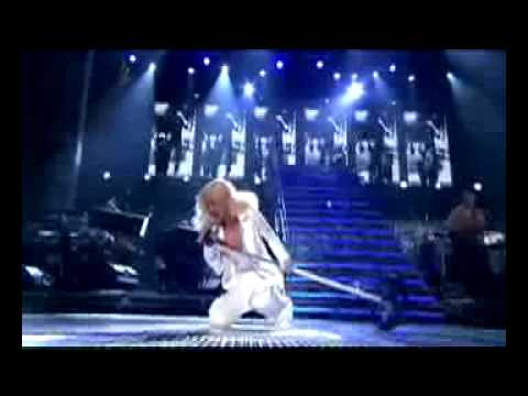 CHRISTINA AGUILERA'S TOP 10 LIVE PERFORMANCES (AS VOTED BY FANS)