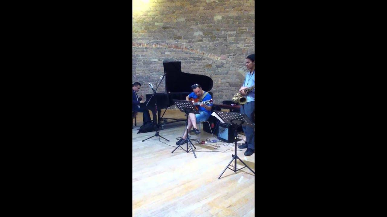Roberto Sanchez Picasso GUITAR SOLO !!! jazz fest san luis potosi ...