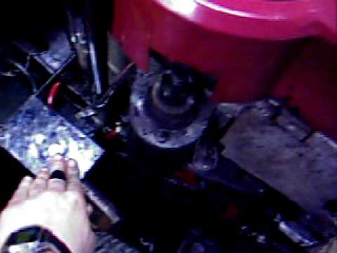 14.5 HP  OHV Briggs and Stratton Engine Startup (straight pipe)
