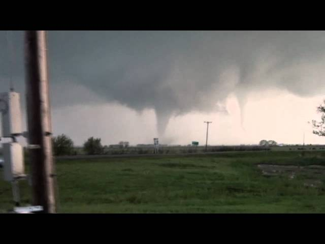 Awesome Twin Tornadoes Near Cherokee OK April 14, 2012!