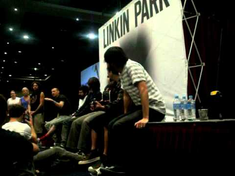 Linkin Park - Chester & Mike Worst Moment (Sydney, LPU Summit 15/12/10) Music Videos