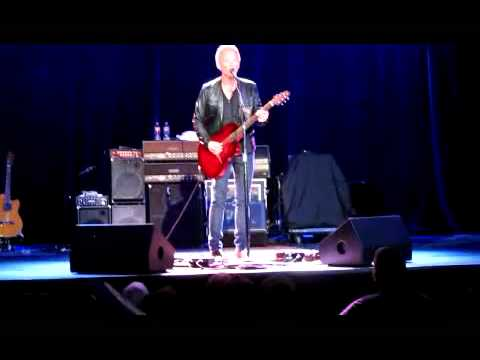 Lindsey Buckingham - Live at Neptune Seattle - Trouble and edge walk.
