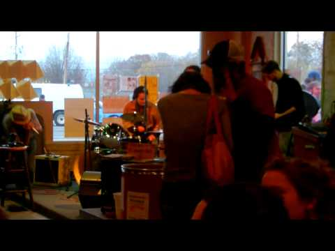"Riyen Roots & The Family Tree Band ""Robert Johnson Medley"" At Altamont Brewing Company"