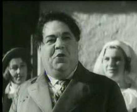 Bild från Edvard Person sjunger snapsvisa