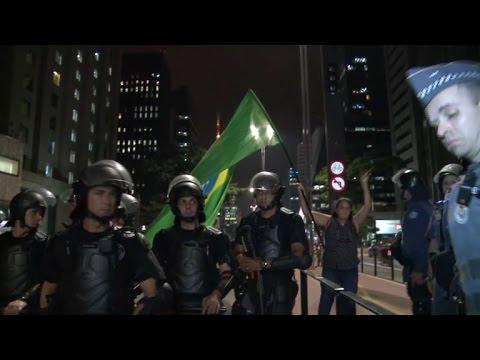 Detenidos tras protesta en Brasil, a pocas horas de voto contra