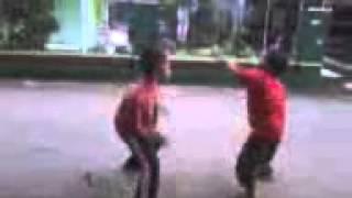 Pertarungan Anak TK Vs Anak SD