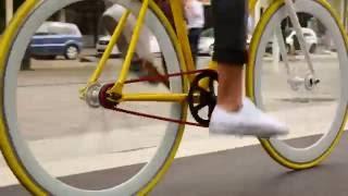 Fixed Gear Bike Tricks | Fixie Lifestyle biking in Barcelona!
