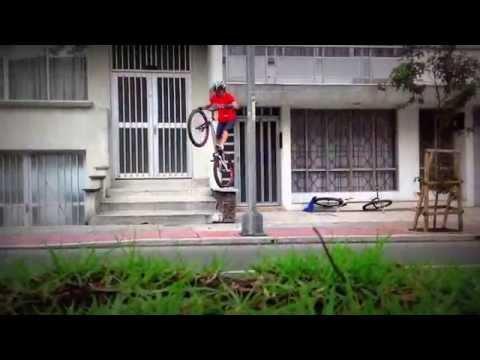 Mountainbike Freestyle Street Bike Trials en Manizales Colombia 2014 Monica Guzman