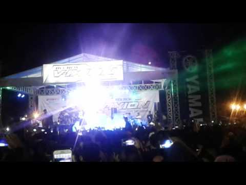 VIA VALLEN - DI TINGGAL RABI  | |  LIVE ALUN - ALUN KIDUL YOGYAKARTA  [ 15 JULI 2017  ]