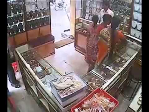 Tamilnadu Thieves Capture On Hidden Cam video