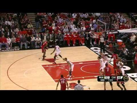 LeBron James 30 points (monster block on Derrick Rose) vs Chiaco Bulls full highlights 04.12.2012