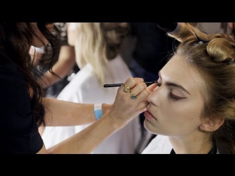 Lisa Eldridge Working Backstage At London Fashion Week