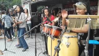 download lagu Senopati Reggae Roots Ft Dellu Uyee - Pemimpi gratis