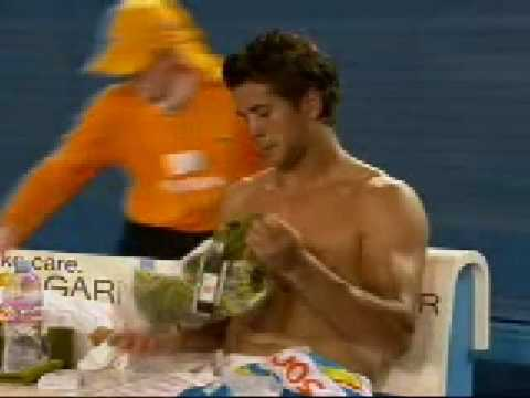 Fernando Verdasco Shirtless Changeover Video