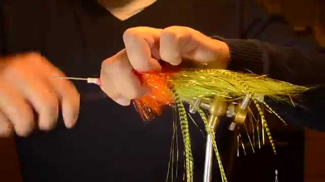 Flytying  tube fly for pike