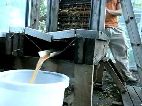 Making Apple Juice With A Home Made Hydraulic Fruit Press