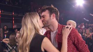 "Download Lagu The Chainsmokers + Halsey Acceptance Speech ""Closer"" Best Dance Song 