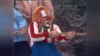 Clown Bassie in de Showbizzquiz 1982 HD