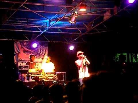 """Big Sean - """"Memories"""" (Live)"""