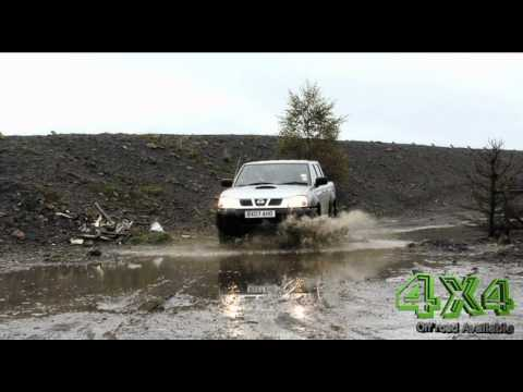 Nissan NP300 Pick Up off road промо