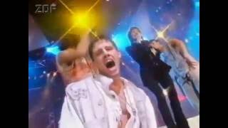 "1993 ZDF Pop Show - Take That feat. Lulu ""Relight my fire"""