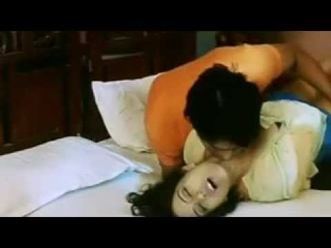 Hot Mallu Aunty ACTRS Feeling Hot With Her Boyfriend - Hot SEXY Young INDIAN Girl