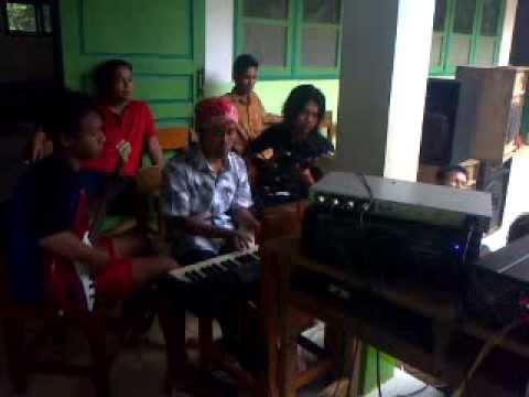 Organ Tunggal Lagu Hot 17 Agustus 2013 Krumput video