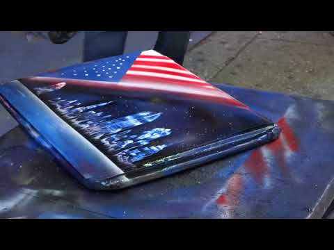 New York spray paint artist, city scape and freedom tower