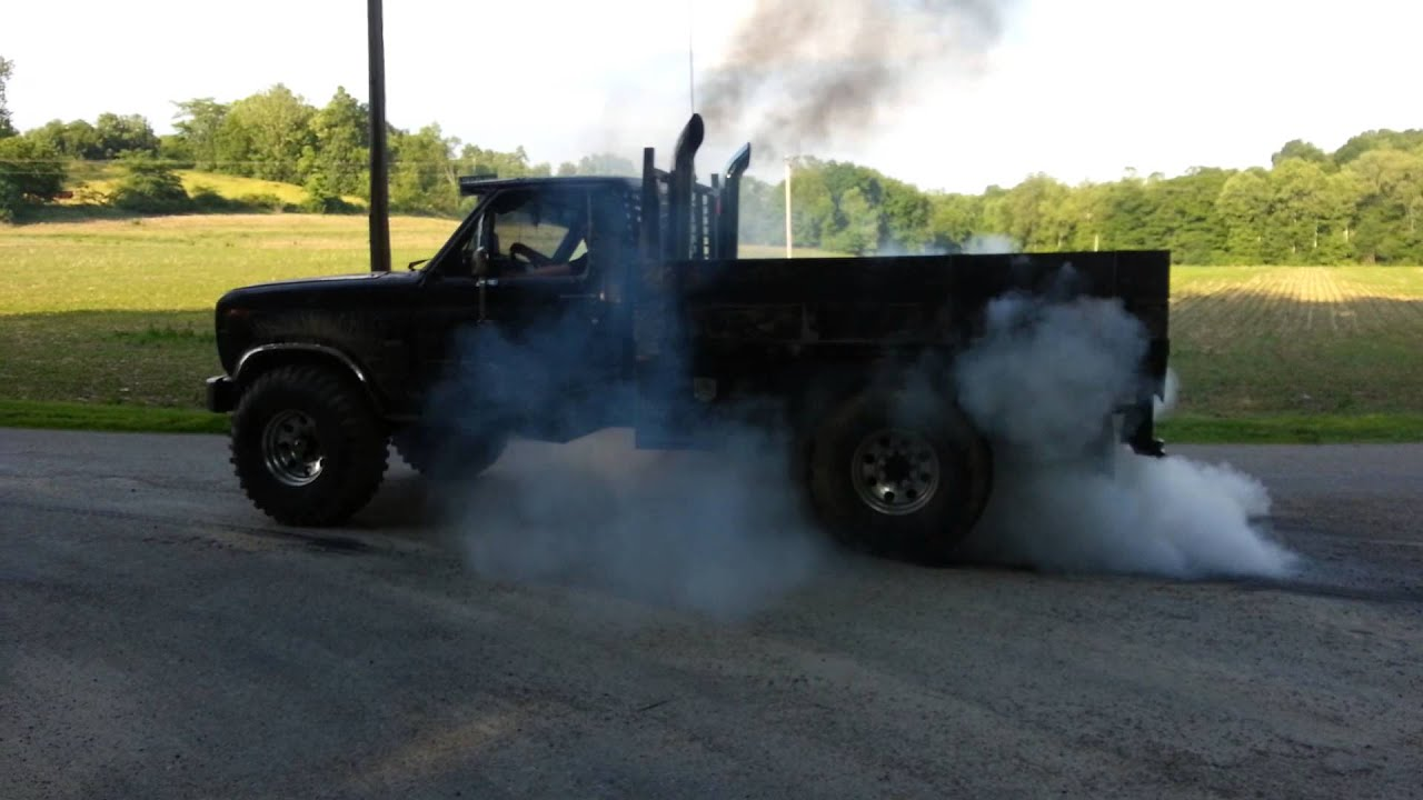 6.9 ford diesel burnout - YouTube