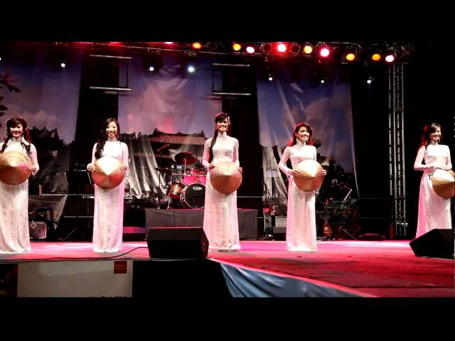 Tet 2011 Pageant Miss Vietnam of Southern California Opening Dance