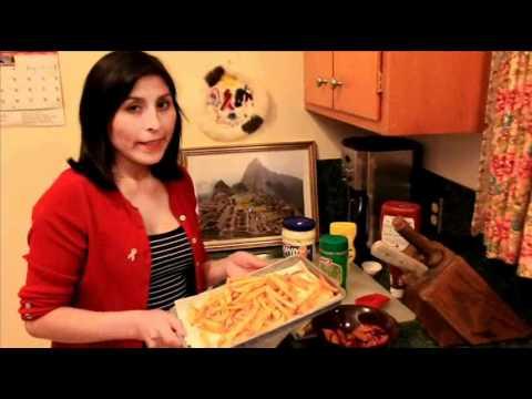 Comparte tu sabor Latino - Salchipapas Peruana