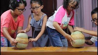 Exploding Mellon Challenge bersama Teman Teman - pecah buah melon dg karet gelang