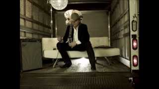 Watch Dwight Yoakam It
